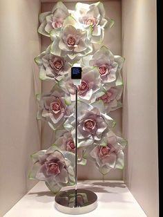 VM choice: Apple Watch flowers at Selfridges - Retail Design World