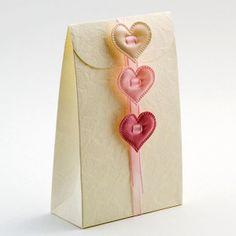 One Eyed Cat Ltd - Sorgente Sacchetto Wedding Favour Boxes (Large) (Pk 10), £5.55 (http://www.oneeyedcat.com/sorgente-sacchetto-large-pk-10/)