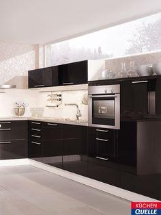 Faszinierende Lichtbrechungen, Die Hochglänzende Küchen Oberfläche Und Die  Klaren Konturen U2013 Vieles Erinnert In