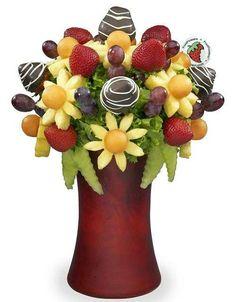 Fruit Bouquet Centerpiece Flower Ideas For 2019 Edible Fruit Arrangements, Edible Bouquets, Watermelon Carving, Watermelon Fruit, Fruit Creations, Creative Desserts, Creative Food, Fruit And Vegetable Carving, Fruit Decorations