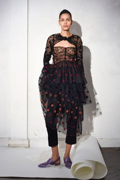 See the complete Isa Arfen Fall 2017 Ready-to-Wear collection.