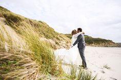#photographie #photography #mer #beach #afterday #couple #happymoments #manon #debeurme #photographe #photographer #lille #nord #france Happy Moments, France, Couple Photos, Couples, Beach, Photography, Couple Shots, Photograph, The Beach