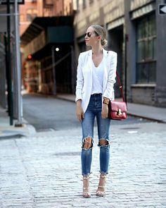 distressed denim and blazer Elle Fashion, Fall Fashion 2016, Spring Fashion Outfits, Trendy Outfits, Winter Outfits, Autumn Fashion, Summer Outfits, Summer Clothes, Brooklyn Blonde