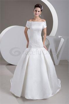 Robe de mariée princesse A-ligne en Satin Au Large de l´épaule http://fr.GracefulDress.com/Robe-de-mariée-princesse-A-ligne-en-Satin-Au-Large-de-l´épaule-p20949.html