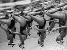 Les meilleures images des Sony World Photography Awards - Photo issue d'une série sur la natation synchronisée à Singapour. (Jonathan Yeap Chin Tiong - SWPA)
