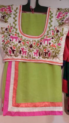 Green n white White Saree Blouse, Indian Blouse, Indian Attire, Indian Wear, Indian Outfits, Saree Blouse Patterns, Saree Blouse Designs, Beautiful Blouses, Beautiful Saree