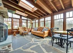 Sunroom, Beautiful Homes, Patio, Windows, Interior, Outdoor Decor, Inspiration, Home Decor, Sunrooms