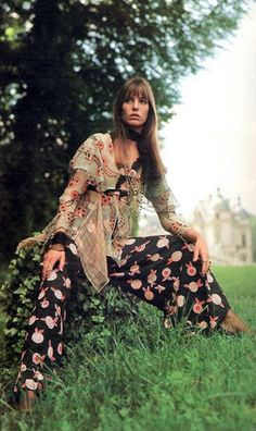 Jane Birkin in the grass...vintage 1970s