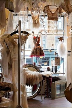 <3 would luvvvv to own a boutique like this
