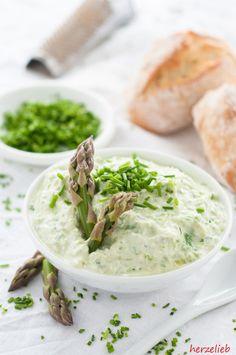 Spargel Aufstrich - so lecker kann Spargel auf dem Brot schmecken. Ein Brotaufstrich mit Pfiff.