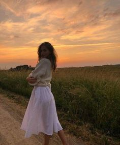 Discovered by Ilona Nikolova. Find images and videos about girl, fashion and style on We Heart It - the app to get lost in what you love. 70s Outfits, Mode Outfits, Fashion Outfits, Spring Outfits, Outfit Summer, Dress Summer, Fashion Trends, Hippie Look, Image Fashion