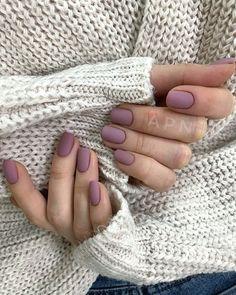 Semi-permanent varnish, false nails, patches: which manicure to choose? - My Nails Nail Colors For Pale Skin, Fall Nail Colors, Nail Polish Colors, Neutral Nails, Purple Nail, Matte Nails, My Nails, Acrylic Nails, Stylish Nails