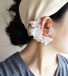 Fabric Jewelry, Jewelry Art, Jewelry Design, Clay Earrings, Flower Earrings, Beaded Earrings, Handmade Accessories, Jewelry Accessories, Fashion Accessories