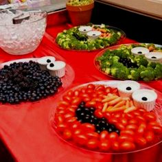 Cute and healthy party trays