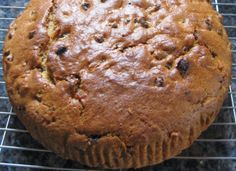 Cut and Come Again Cake a popular traditional cake - easy to make. Recipe form www.grandmaabson.com