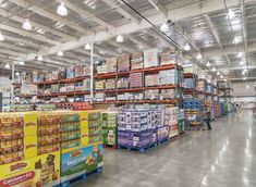 15 Things Expert Meal-Preppers Always Buy at Costco - Provided by Eat This, Not That! @LaurenPincusRD quoted Kaizen, Crock Pot Freezer, Freezer Recipes, Freezer Cooking, Freezer Meals, Cooking Tips, Costco Cake, Costco Business, Costco Membership