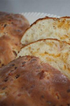 "Jim's Cheddar Onion Soda Bread | ""Hubs said he'd rather have this than dessert. "" #irishrecipes #stpatricksday #stpatricksdayrecipes Irish Bread, Soda Bread, Irish Recipes, Corned Beef, Confectioners Sugar, Cheddar Cheese, Bread Recipes, Onion, Tasty"