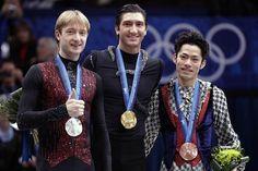 Evan Lysacek (🇺🇸), Evgeni Plushenko (🇷🇺), and Daisuke Takahashi (🇯🇵)  2010 Vancouver 🇨🇦