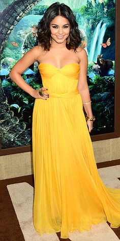 ignore her strange derp face. If we could pull off yellow, this dress would happen