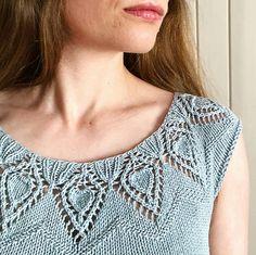 Ravelry: Bladlilje / Lily Leaf pattern by Lene Tøsti Lace Knitting, Knitting Socks, Knitting Needles, Knitting Patterns, Crochet Patterns, Cable Knit Socks, Ravelry, Knit Crochet, Sewing