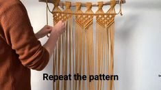 The comprehensive guide to macrame. Video explanations of all common macrame knots and monthly new macrame patterns. Macrame Wall Hanging Tutorial, Macrame Wall Hanging Patterns, Large Macrame Wall Hanging, Macrame Patterns, Macrame Wall Hanger, Weaving Wall Hanging, Doll Patterns, Wall Hangings, Knitting Patterns
