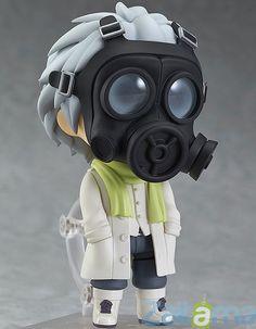 Desde el popular juego de PC DRAMAtical Murder llega un Nendoroid de Clear! Su máscara de gas está incluida, pero también se puede quitar para revelar su rostro, e incluso viene con una versión más pequeña de la máscara para sostenerla en sus manos, mientras no lo lleva!