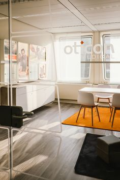 Vintage Oticon Medical u Showroom MHH Hannover by didid brand environments