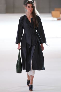 Christophe Lemaire Spring 2015 Ready-to-Wear - Collection - Gallery - Look 1 - Style.com