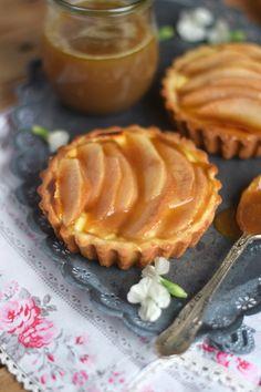 Karamellisierte Birnen Quark Tarte - Caramelized Pear Tart with Cheesecake Filling   Das Knusperstübchen