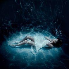 Картинка с тегом «girl, water, and underwater»