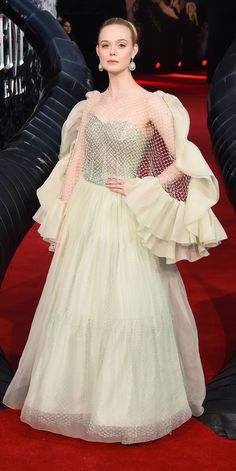 Look of the Day - Elle Fanning made heads turn in an Armani Privé Couture gown during the Maleficent: Mistress of Evil premiere in London. Elle Fanning, Celebrity Red Carpet, Celebrity Style, Formal Prom, Formal Dresses, Red Romper, Gucci Dress, Pink Gowns, Red Carpet Looks