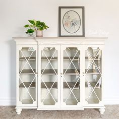 """""""I've been wanting to have the opportunity to turn a hutch top into its own piece. I added some beautiful curvy bun feet, new shelves and a custom cut top. Colors~ General Finishes Antique White Milk Paint and WeatherWash's stain in Rusted. Hutch Makeover, Furniture Makeover, Diy Furniture, Painted Furniture, Furniture Design, Antique White Furniture, Refurbished Furniture, Antique Decor, Joanna Gaines"""