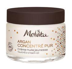Melvita a encapsulé dans ce soin 125 gouttes* d'huile d'arganrevitalisante. Cette formule aide à lisser les rides et ridules, à raffermir la peau et à redessiner l'ovale du visage. *Équivalent à 5% d'huile d'argan Mademoiselle Bio, Peau D'orange, Creme Anti Age, Massage, Argan, Jojoba, Perfume, Fragrance Parfum, Organic Beauty
