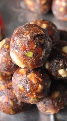 YUMMY TUMMY: Sugar Free Dates & Nuts Ladoo / Dry Fruits & Nuts Ladoo / Dry Fruits And Khajoor Laddoo / Dates & Nuts Ladoo