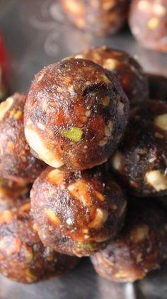 YUMMY TUMMY: Sugar Free Dates & Nuts Ladoo / Dry Fruits & Nuts Ladoo / Dry Fruits And Khajoor Laddoo / Dates & Nuts Ladoo