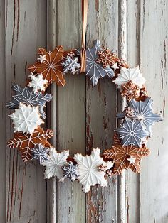 Looking for a Saturday baking project? Our Christmas Biscuit Wreath could be just the inspiration you are looking for! Find it… Xmas Food, Christmas Cooking, Christmas Desserts, Christmas Treats, Christmas Decorations, Christmas Cupcakes, Holiday Cookies, Christmas Gingerbread House, Noel Christmas