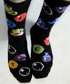 Ravelry: Talvi's EXTENDed Bubble Bobble Socks. i dont wear socks, but i would wear these!!!!