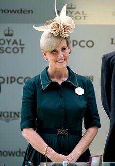 Royal Ascot Ladies Day, Lady Louise Windsor, British Family, Royal Colors, Isabel Ii, Royal Life, Princess Anne, Duchess Of Cornwall, Royal Families