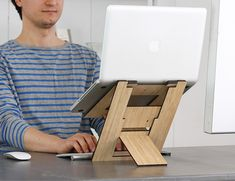 Flio Up - Laptop Stand Workstation on the Go » Review