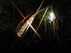【虹の雫】Drop of water of the rainbow 京都グランドプリンスホテル中庭に ガラスオブジェを演出 that an arrow of the light came from the Heian era] In Kyoto grand Prince Hotel courtyard I directed a glass art object.