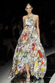 Fabric by Julie Verhoeven, dress by Versace 2009