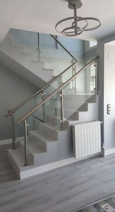 Modern Stairs Railing Ideas Stainless Steel 24 Ideas in 2020 Glass Staircase, Steel Railing Design, House Design, Home Stairs Design, Stair Railing Design, Glass Staircase Railing, Stainless Steel Stair Railing