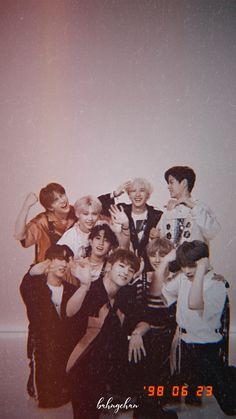 Check out Stray Kids @ Iomoio Felix Stray Kids, Stray Kids Seungmin, Day6 Sungjin, K Wallpaper, Custom Wallpaper, E Dawn, Kid Memes, Lee Know, Kpop Boy