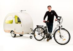 This quirky invention created for the British wedding is a tiny caravan-style camper trailer that can be towed by a bike or mobility scooter. Pop Up Camper Trailer, Mini Camper, Camper Trailers, Camper Caravan, Pull Behind Trailer, Small Caravans, Barbie Et Ken, Cool Campers, Cargo Bike