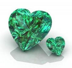 An Emerald's Heart - Deep Green Beauty Birthday Gemstones, Places In Egypt, Birthstone List, Beaded Jewelry, Handmade Jewelry, Types Of Gems, Crystals And Gemstones, Healing Stones, Shades Of Green