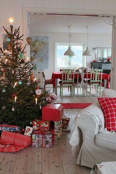 Božićna drvca i dekoracije u skandinavskom stilu | Uređenje doma