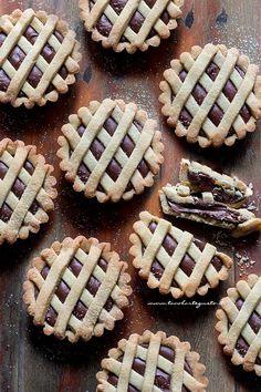 Italian Recipes Nutella tart: Perfect recipe for soft nutella tarts Torte Nutella, Nutella Muffins, Cupcakes, Cake Cookies, Fun Desserts, Dessert Recipes, Torte Cake, Salty Cake, Nutella Recipes