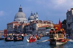Bucintoro Galleon leading the Historical Regatta pageant in Grand Canal.
