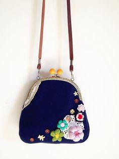 Blue flower Vintage style Metal frame purse/coin purse / handbag /Pouch/clutch/tote bag/ Kiss lock frame bag