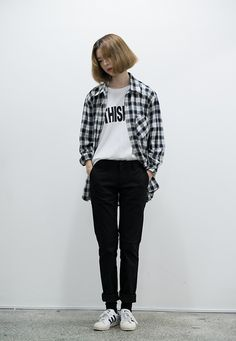 Trendy fashion korean street graphic tees Ideas - New Site Korean Fashion Tomboy, Ulzzang Fashion, Asian Fashion, Look Fashion, Trendy Fashion, Fashion Outfits, Fasion, Casual Hijab Outfit, Casual Outfits